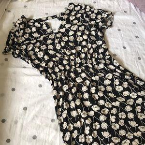GAP Floral Dress • Size M 🌿